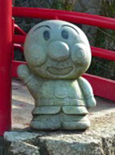 広島 アニメキャラクターの石像